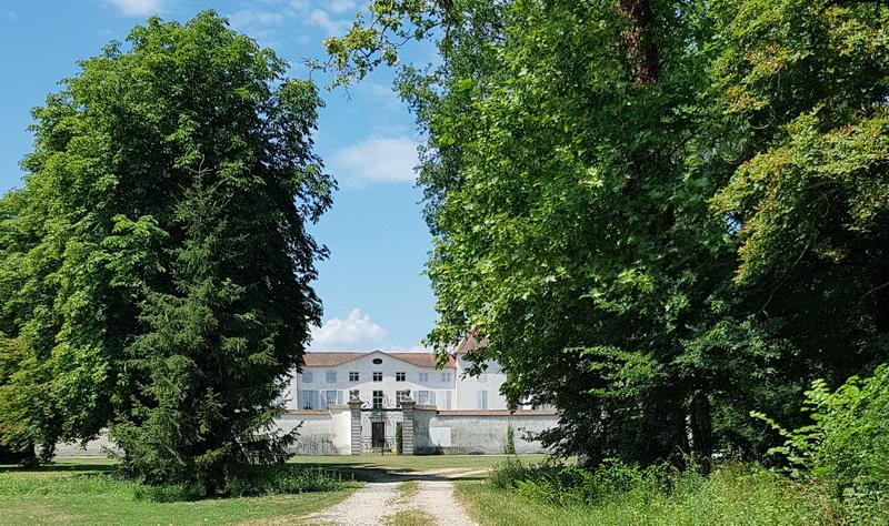 Château des Perichons chambres d'hotes Loire
