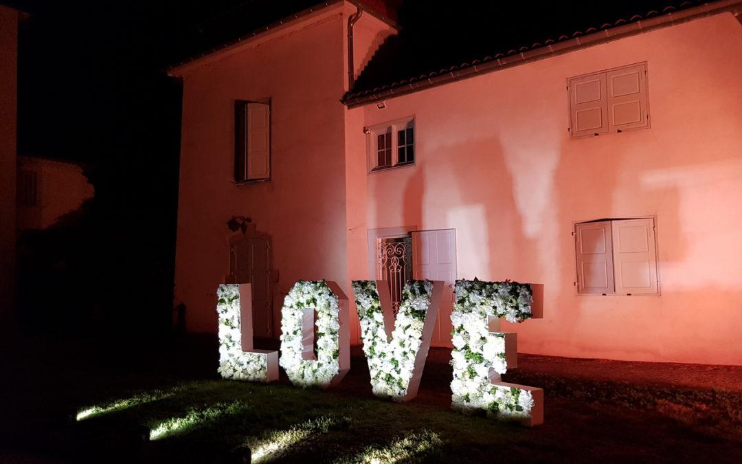 Mariage international au château des Périchons