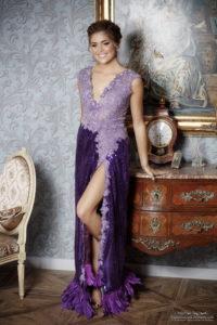 laura grail, miss loire2020 dans la robe Oxalys au château des Périchons