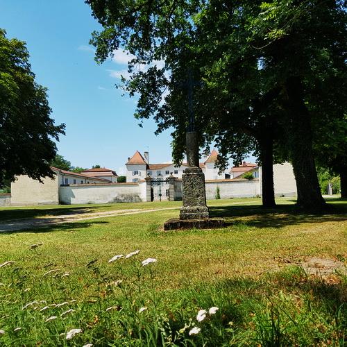 Welcome to the Château des Périchons